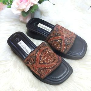 Le Chateau Y2K Retro Wedge Embroidered Sandals